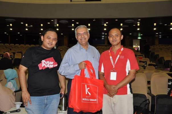 Bersama CEO / Pengarah Urusan MYDIN, Datuk Wira Dr Ameer Ali Mydin