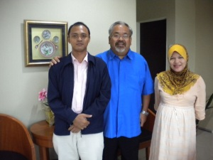 Bersama Pengarah Kementerian Pelancongan dan Bahagian Promosi Pelancongan Jabatan Ketua Menteri Melaka selepas mesyuarat di Kementerian Pelancongan