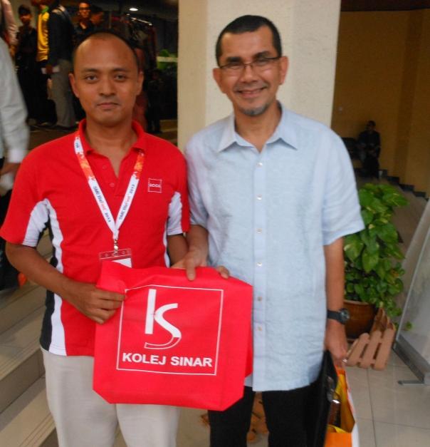 Bersama CEO / Pengarah Urusan PROTON / PERODUA, Datuk Seri Syed Zainal Abidin Syed Mohd Nasir